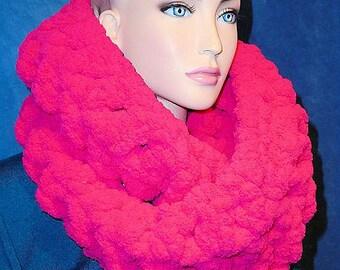 Chunky Infinity Scarf, Pink Crochet Infinity Scarf, Chunky Scarf, Pink Chunky Infinity Scarf, Hot Pink Scarf, Super Chunky Crochet Scarf