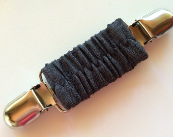 Dark Grey Heather Cinch Clip