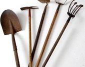 RESERVE - shovel