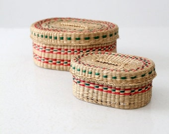 SALE vintage small woven basket set