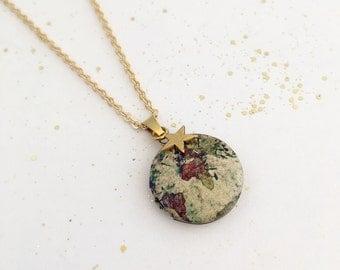 Map Locket, World Locket, Travel Necklace, Traveller Gift, Globe Locket, Atlas Necklace. Travel Gift, Travel Charm Necklace, Atlas Locket