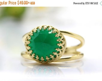 SUMMER SALE - green onyx ring, gold ring, semi precious ring, delicate ring, double band ring, green ring, gemstone ring