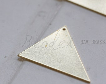 10 Pieces / Raw Brass / Brass Base / Charm / /Triangle / Geometry (C3117)