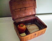 Vintage Woven Bamboo Basket, Lunch Box, Marked JAPAN, Hinged Lid With Handle, Bamboo Front Closure, Sewing Basket, Lunch Box, Craft Storage