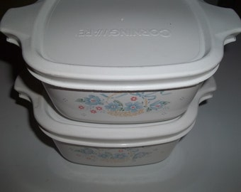 2 Corning Ware Petite Pan P-43-B 2 3/4 Cup Country Cornflower with Air tight Plastic Lids