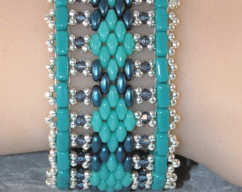 7 Inch Comfortable Bracelet - Beaded Cuff - Turquoise Blue Silver - Everyday Casual - Argyle Bracelet - Flat Band - For Her - Medium Cuff