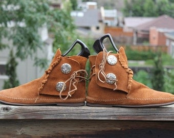 Vtg. Leather Suede Womens Moccasins sz 7 1/2 - 8