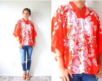 30% OFF out of town SALE Vintage red floral Hawaiian top shirt // boho top // red floral tank top // spring // summer top // kimono style re