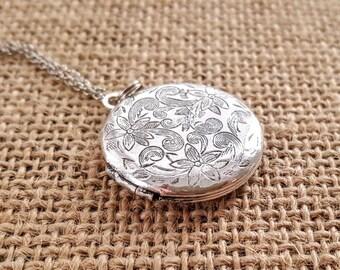 SALE Silver Locket Necklace -A Vintage Simple Antique Silver Locket Necklace -Bridesmaid Locket Necklace -Flowergirl Locket Necklace-Wedding