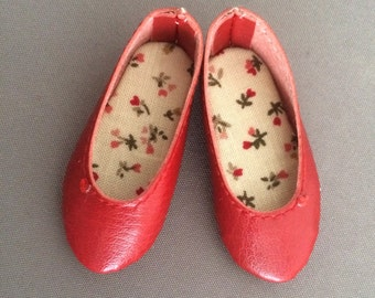 Red leatherette shoes for Moe Minifee on Box
