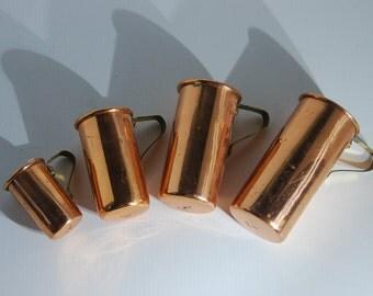 UT0182 Copper Measuring Cups Set of 4