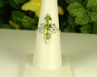 Peridot Ring, Size 7, Bright Apple Green, Excellent Sparkle, Peridot 3 Stone, Sterling Silver, August Birthstone, Natural Peridot