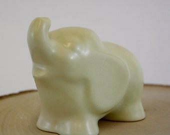 Vintage Fat White Elephant Figurine (E6032)