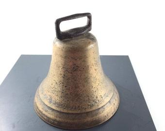 ANTIQUE BELL . Cow Bell.  bronze. brass. vintage.  No.001183