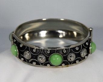 Vintage Arts & Crafts Silver Repousse Pin Hinged Green Bezel Set Cab Bangle Bracelet
