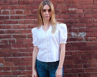 Vintage 1980's Women's White Puffy Sleeve Button Up Blouse with Lace Size Small