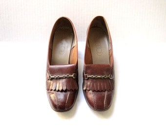 Vintage 70s Brown Loafers. Stacked Heeled Tassel Shoes. Brown Leather Loafers. Vintage Cobbies. Women Size 6.5