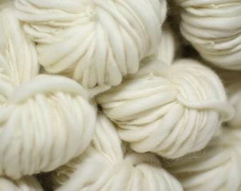 Thick and Thin Hand Spun Raw Yarn Base Bare Dyeing Wool Slub tts Bulk Ecru Natural White Undyed