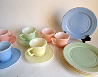 Little Hostess Child's Tea Set Hazel Atlas 14 Piece Pastel 1940's