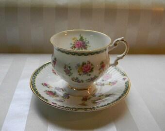 TEACUP, Vintage ELIZABETHAN Fine Bone China Footed Teacup