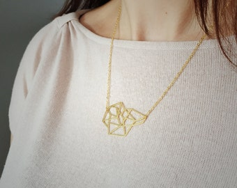 Geometric triangle cluster necklace