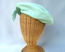 Vintage Ladies Hat Mint Green Knit Beret Mark Royal