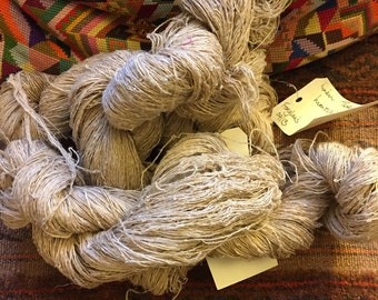 475 grams of hanks of French linen yarn