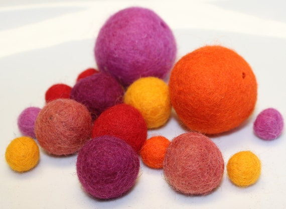 """Assorted Wool Felt Balls 100% Nepal Wool Balls Exclusive for Embellishments Theme = Warm 16/Pkg Sizes 1/2"""" to 1.5"""" (1.27cm to 3.81cm)"""