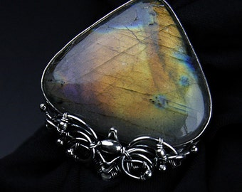 COSINE Large ring with labradorite
