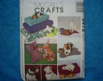 McCall's Crafts 3472 for Dog and Cats.