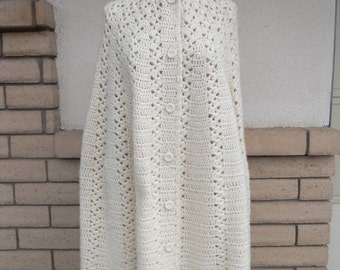 Vintage 70s White Poncho . Crocheted Cloak . Long Wedding Cape . One Size