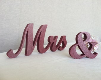 Wedding signs Mr ampersand  Mrs in Burgundy for wedding table decoration Mr and Mrs wedding sign Mrs and Mr wood signs
