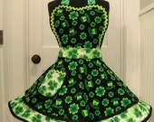 Womens Apron-Top Hats and Shamrocks-St Patricks Day Flounce Apron