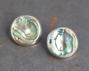 Mother of Pearl Earrings - Sterling Silver and Abalone Sea Shell round studs - Circles - 80s Fashion Vintage Jewelry