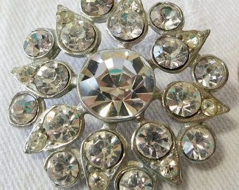 Clear Crystal vintage button. Stunning, mixed sizes, facet cut, lrg central stone, open star design, teardrop points. CLAM15.3-5.22-12.