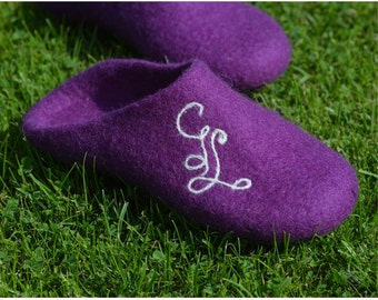 Handmade wool felted slippers with soles -purple-personalized-personalized shoes-Monogrammed shoes