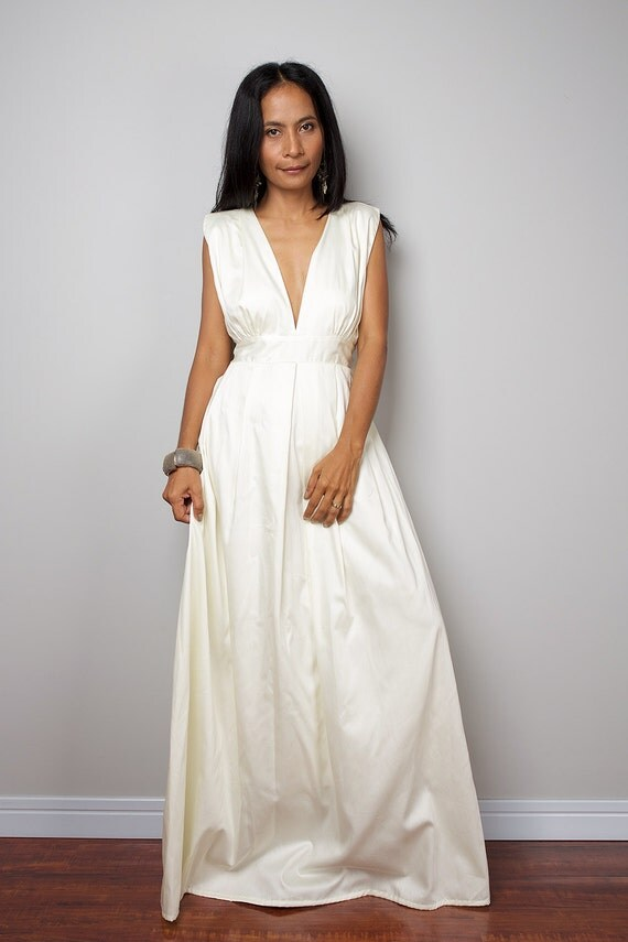 how to wear a maxi dress if you re short