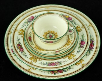 "Antique Wedgwood ""Columbia"" Bone China 60 Piece Service for 12 with Dinner, Salad and Bread Plates plus Cups and Saucers"