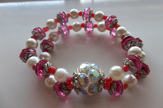 Big Chanaleir Ball Center-Hot Pink and White Glass Pearl- Pretty Beaded Stretch Bracelet  (77)