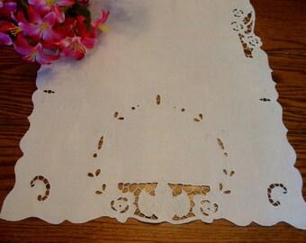 White Linen Table Runner Vintage Floral Embroidered Madeira Dresser Scarf