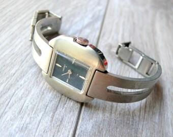 SEIKO ladies Rare Dark Blue Dial mechanical 1970s vintage wrist watch