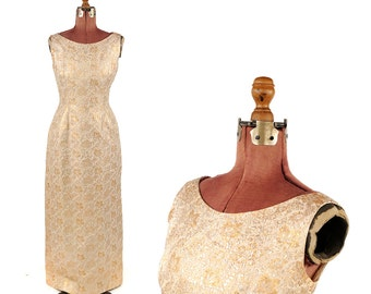Vintage 1960's Gold Metallic Floral Brocade Sleeveless Long Evening Cocktail Holiday Party Dress M