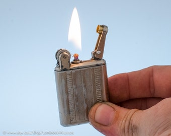 Working 1940s Parisian Flamidor National II Lift Arm Pocket Lighter
