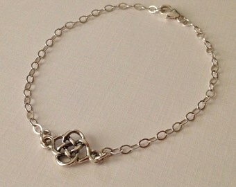 Celtic Knot Bracelet in Sterling Silver -Irish Celtic Delicate Bracelet -Love Knot Bracelet