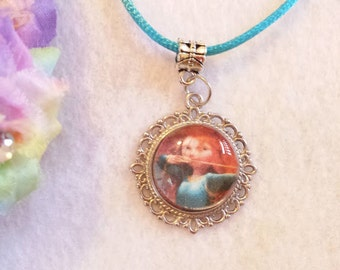 10 Princess Merida, Brave Necklaces Party Favors.