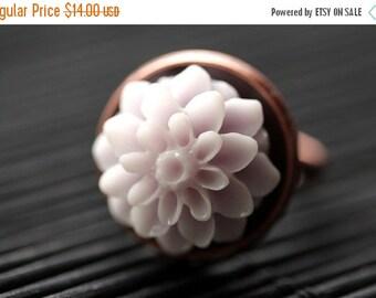 VALENTINE SALE Pale Purple Mum Flower Ring. Pale Purple Chrysanthemum Ring. Pale Purple Flower Ring. Adjustable Ring. Handmade Flower Jewelr