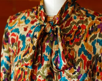 vintage silk print blouse / size medium