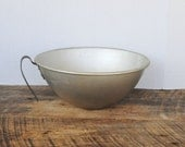 Vintage Mirro 5 Quart Aluminum Mixing Bowl with Handle and Spout