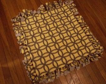Fleece stroller crib lap blanket. Small no sew blanket. Yellow and Gray.