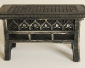 Table 1:12 scale (ready-assembled and aged black)
